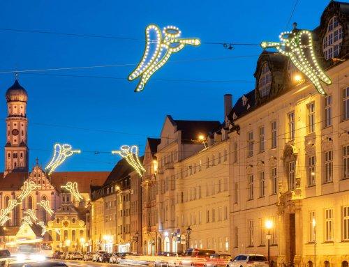 Weihnachtsengel in der Maximilianstraße in Augsburg